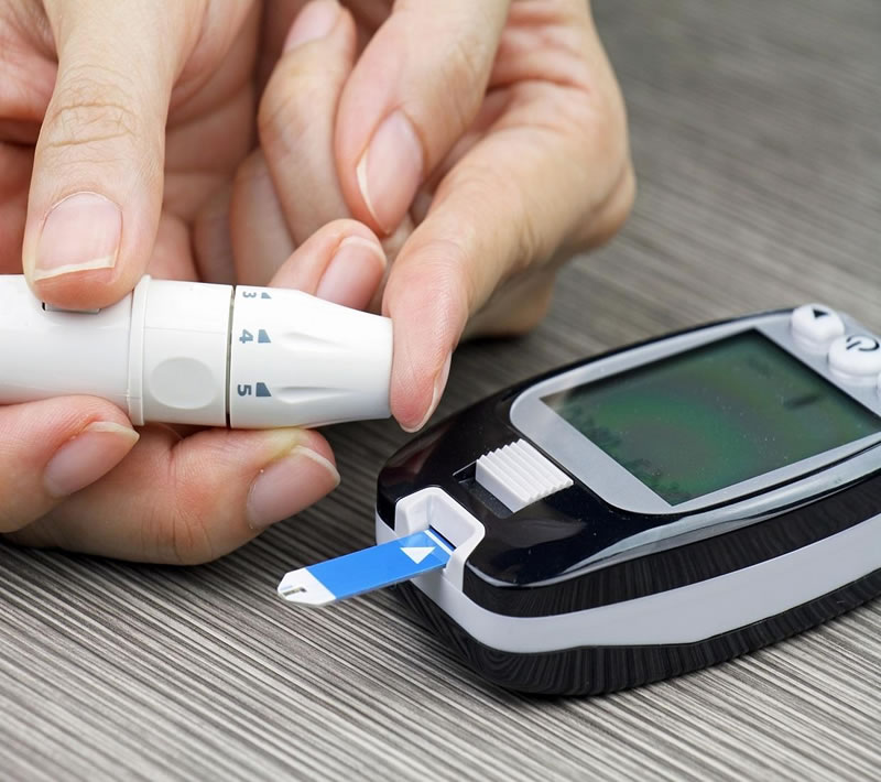 how to use blood sugar monitor