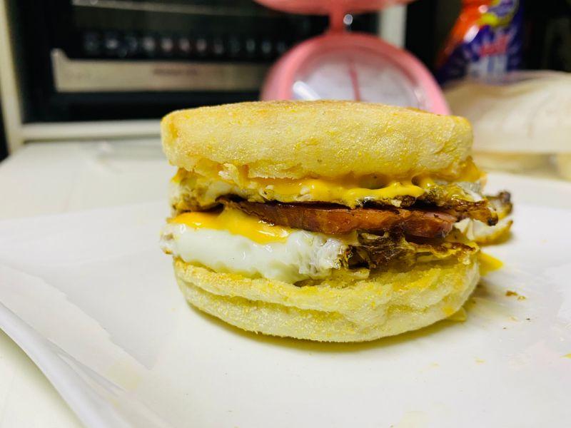 diabetes egg mcmuffin English muffin